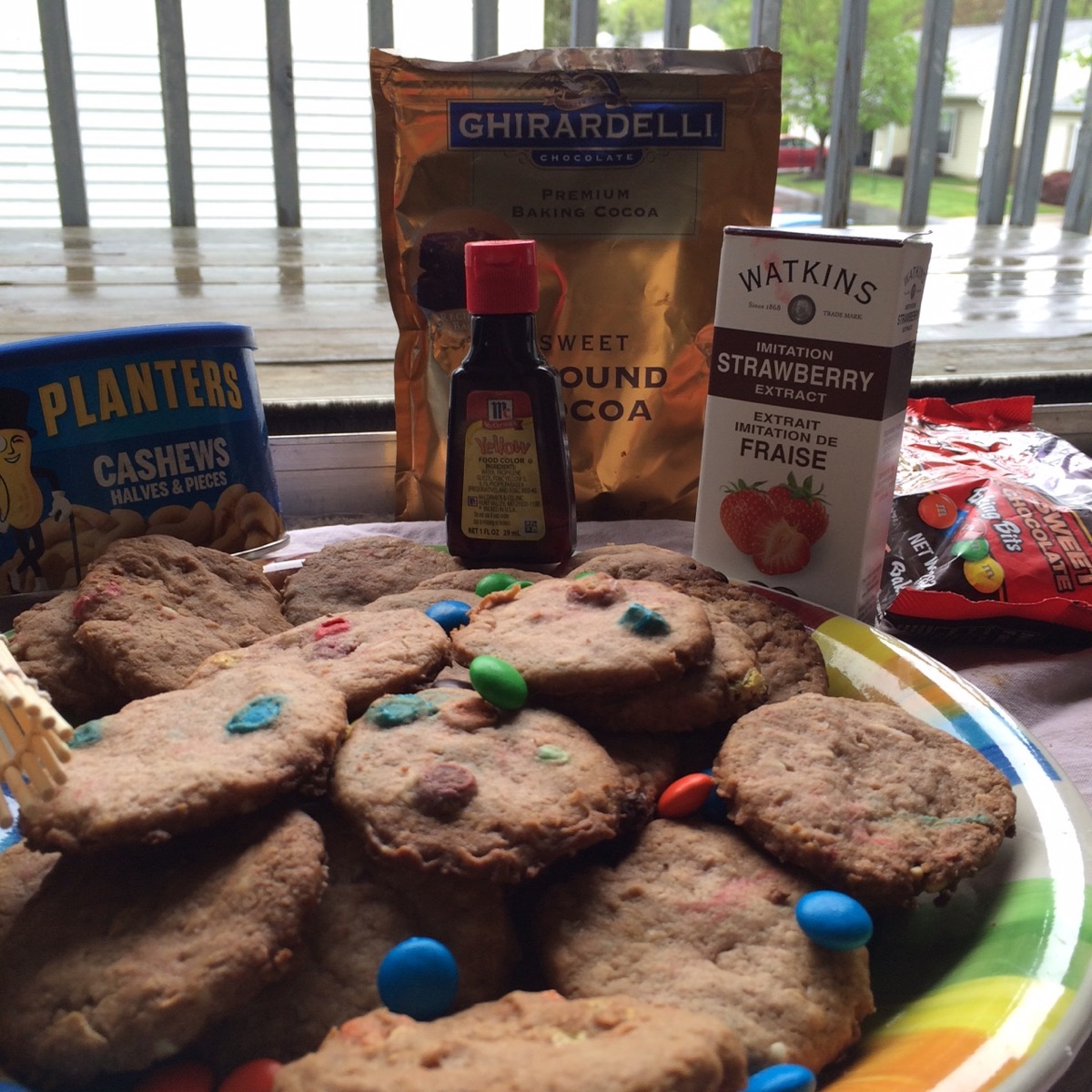 cookies_with_all_ingredients_2